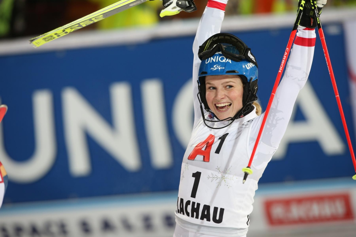 FLACHAU,AUSTRIA,09.JAN.18 - ALPINE SKIING - FIS World Cup, night slalom, ladies. Image shows the rejoicing of Bernadette Schild (AUT). Photo: GEPA pictures/ Mathias Mandl